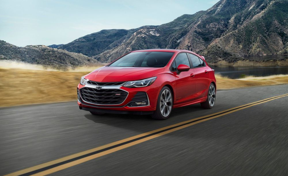 medium resolution of 2019 chevrolet cruze gets cloud based infotainment and styling tweaks