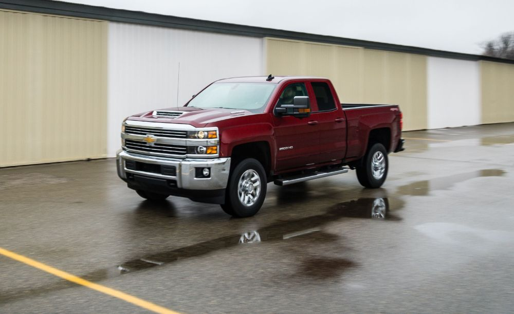 medium resolution of 2018 chevrolet silverado 2500hd 3500hd in depth model review rh caranddriver com v8 engine diagram gm engine parts diagram