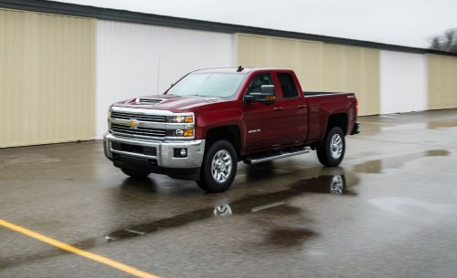 small resolution of 2018 chevrolet silverado 2500hd 3500hd in depth model review rh caranddriver com v8 engine diagram gm engine parts diagram