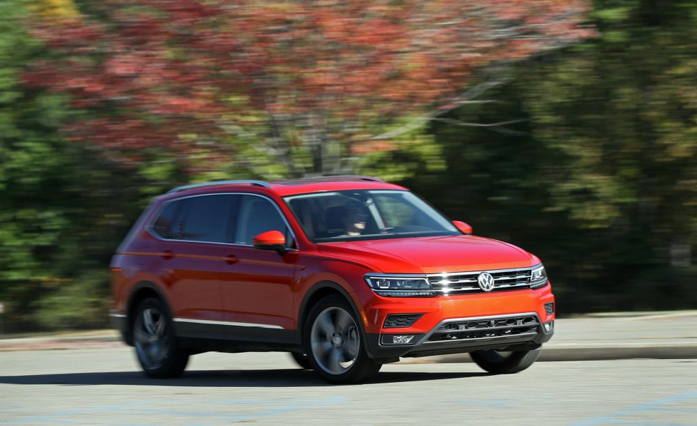 medium resolution of volkswagen tiguan reviews volkswagen tiguan price photos and specs car and driver