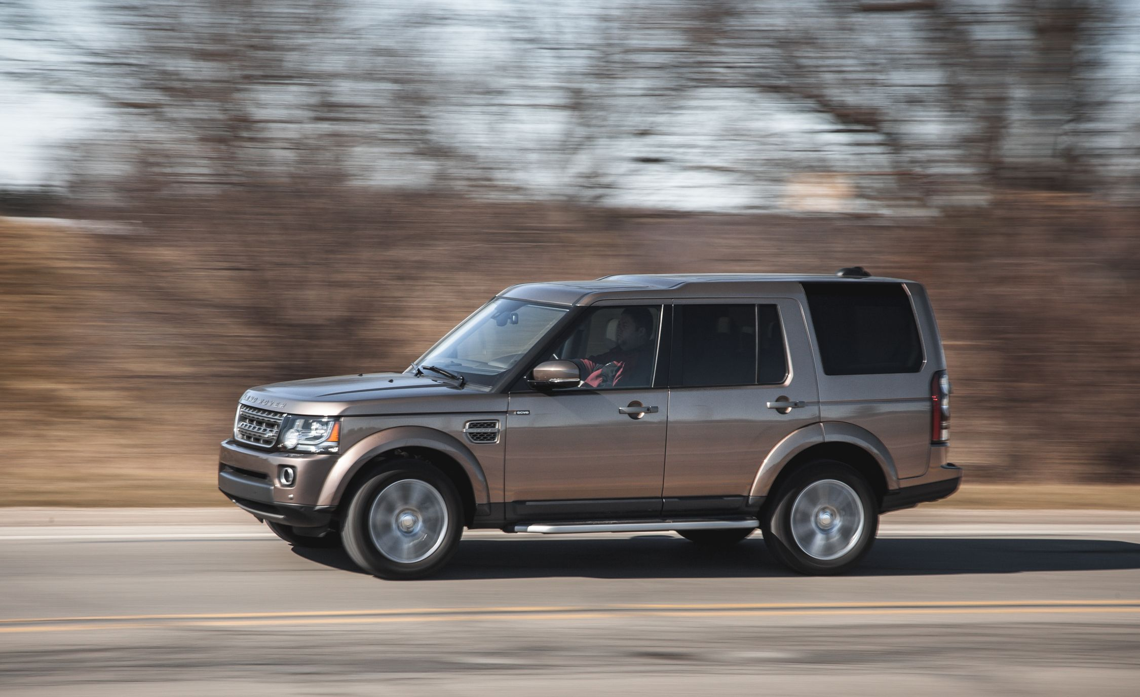 2015 Land Rover LR4 Gallery