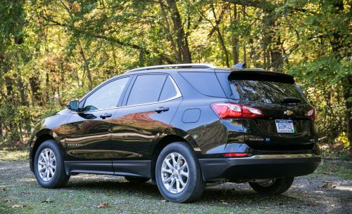 small resolution of chevrolet equinox reviews chevrolet equinox price photos and specs car and driver
