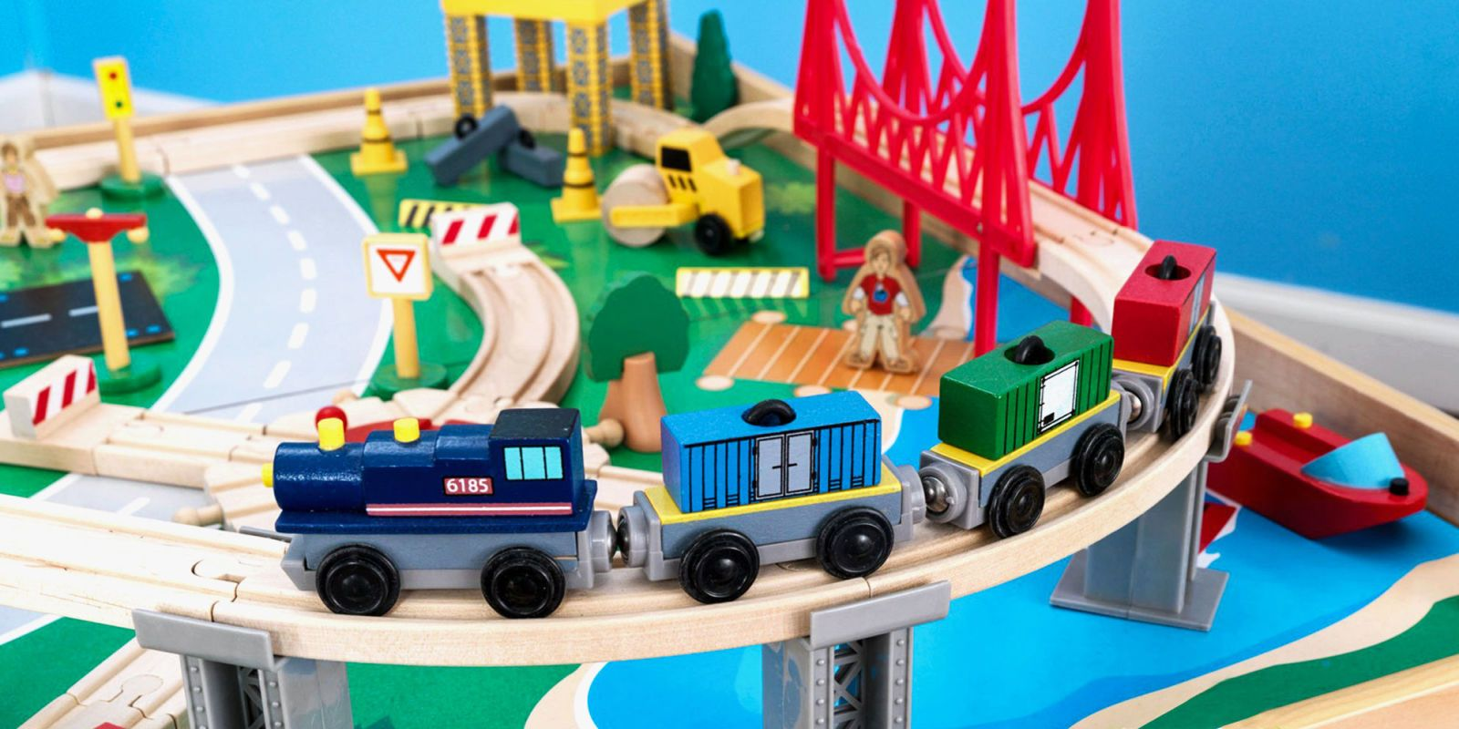 9 Best Train Tables For Kids 2019 Wooden Train Tables Amp Sets