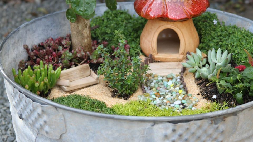Fairy Garden Ideas: Wash Tub House