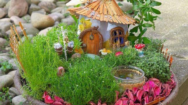 Fairy Garden Ideas: Enchanted garden