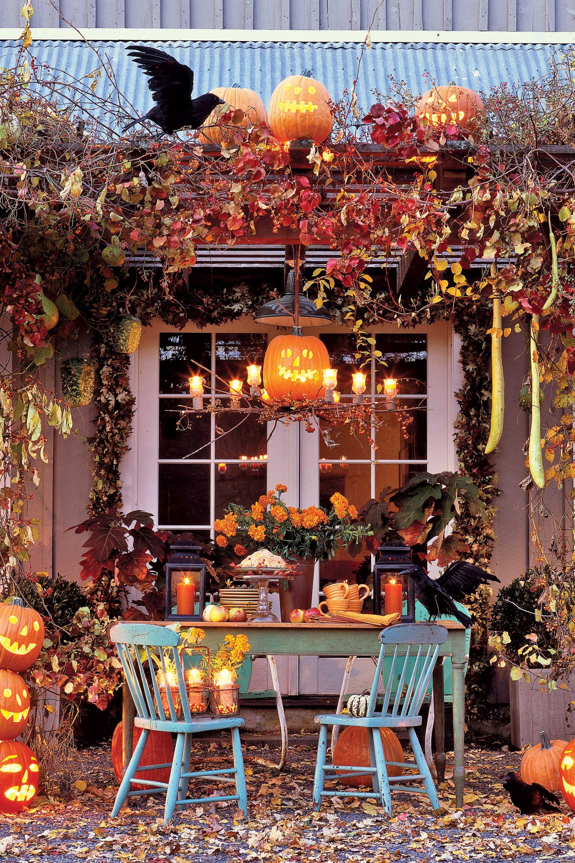 59 Best Outdoor Halloween Decorations Cheap Halloween Yard And Porch Decor Ideas