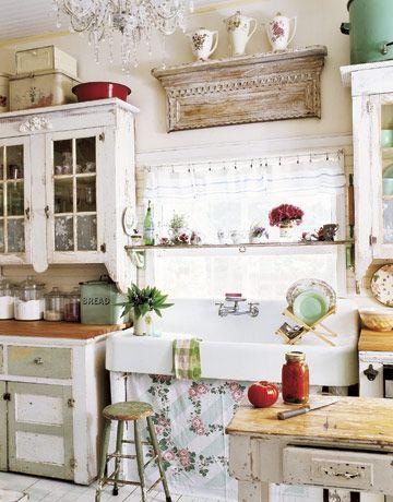 Scopri su eprice la sezione lampadari shabby e acquista online. 12 Shabby Chic Kitchen Ideas Decor And Furniture For Shabby Chic Kitchens