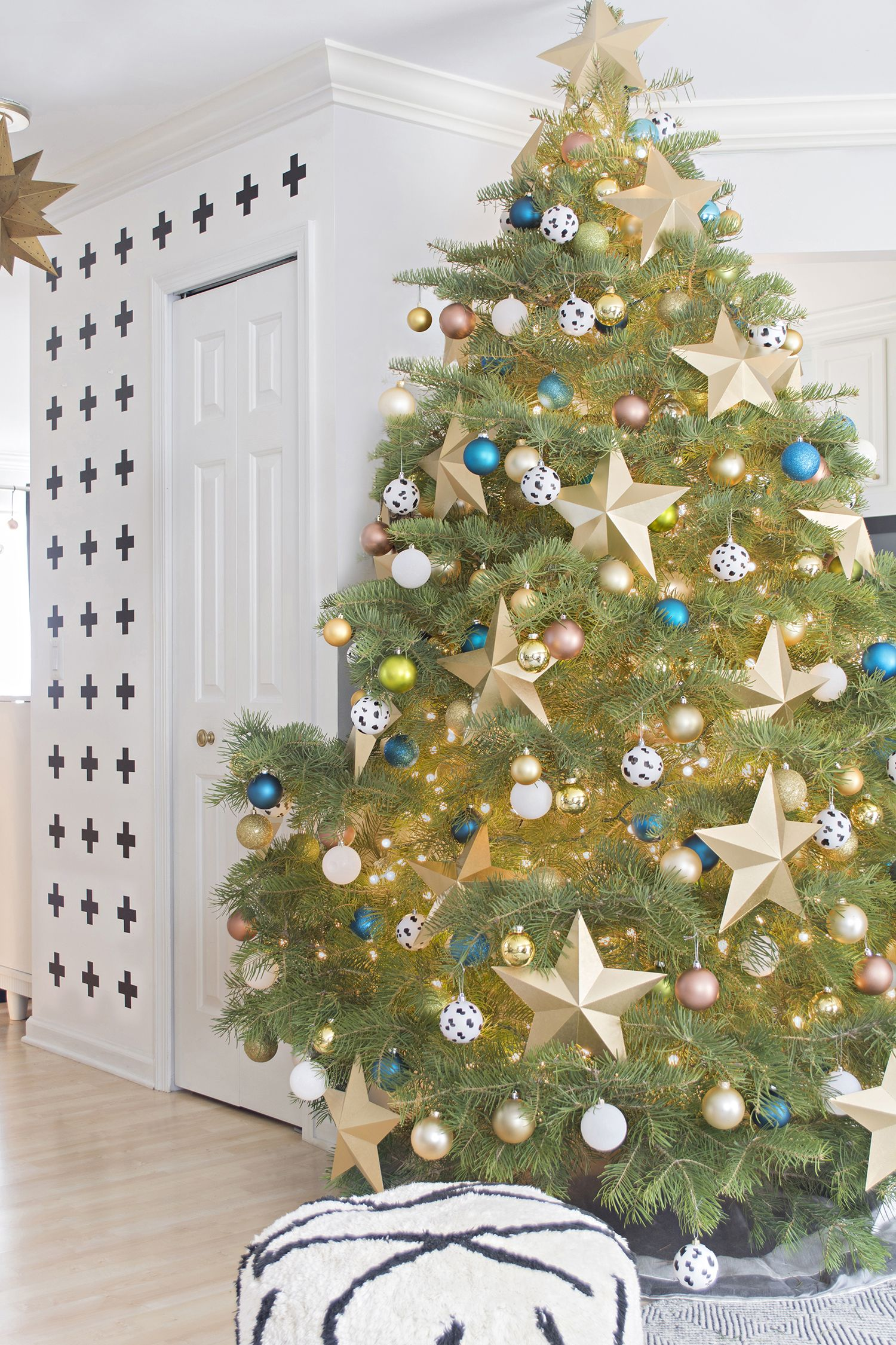 Christmas Trees Without Ornaments