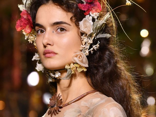 dior couture hairstyles for spring and summer 2017 - flower crowns