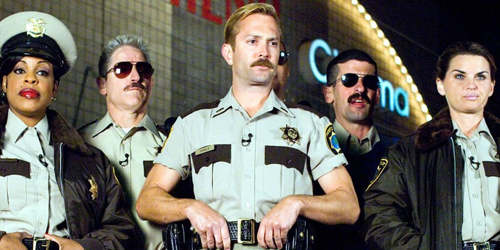 Lt Dangle Reno 911 Shorts Thomas Lennon Interview