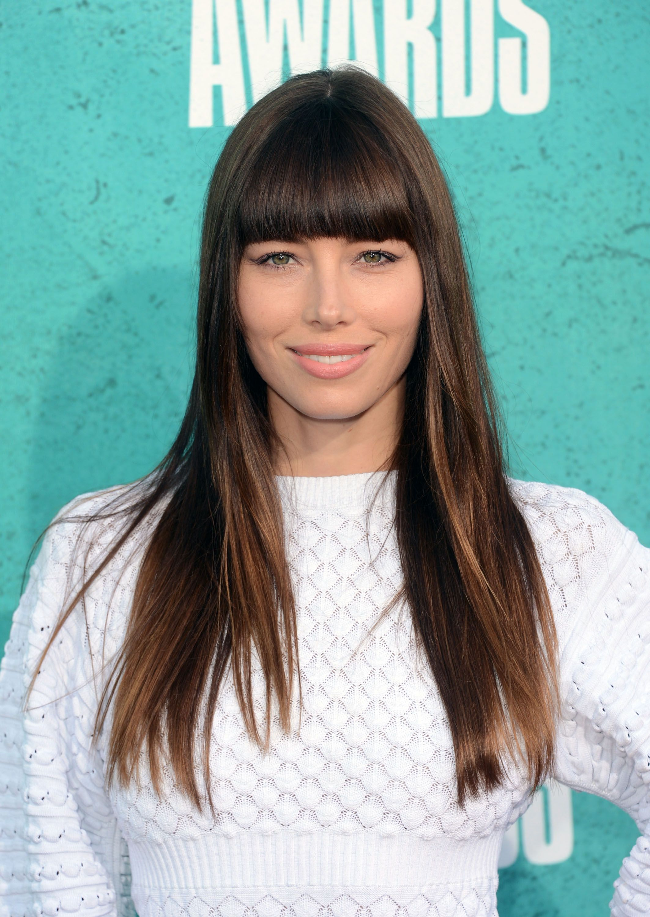 35 Best Hairstyles With Bangs s of Celebrity Haircuts With Bangs