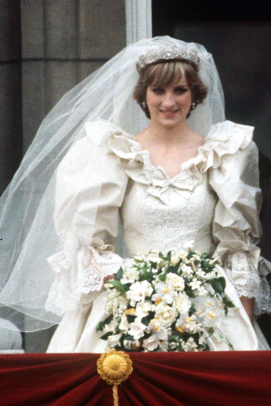 25 Beauty Secrets From Princess Diana  The Royals Best Makeup and Hair Tips
