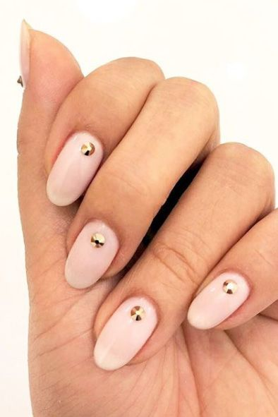 almond shaped nail design