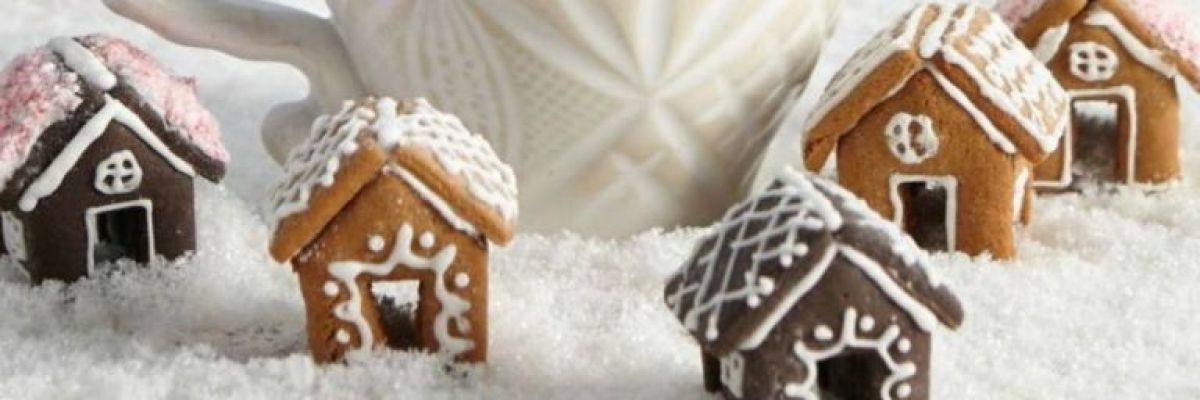Tiny Gingerbread Houses Are Our New Holiday Obsession