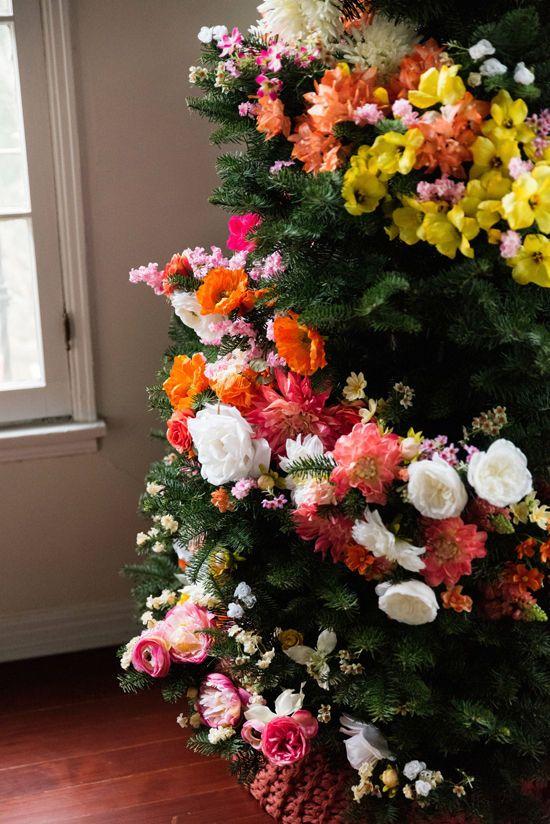 décorations de noël, arrangement floral, design floral, plante, bouquet, fleurs coupées, rose, fleur artificielle, botanique,