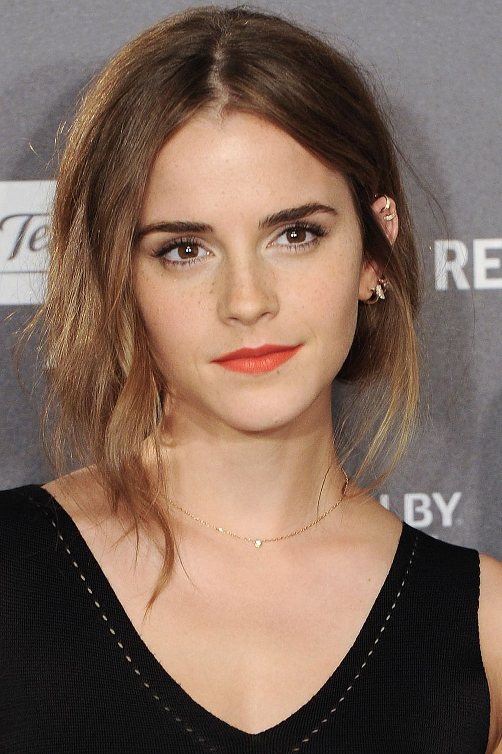 Emma Watson's Best Hairstyles Emma Watson Haircuts And Hair Color