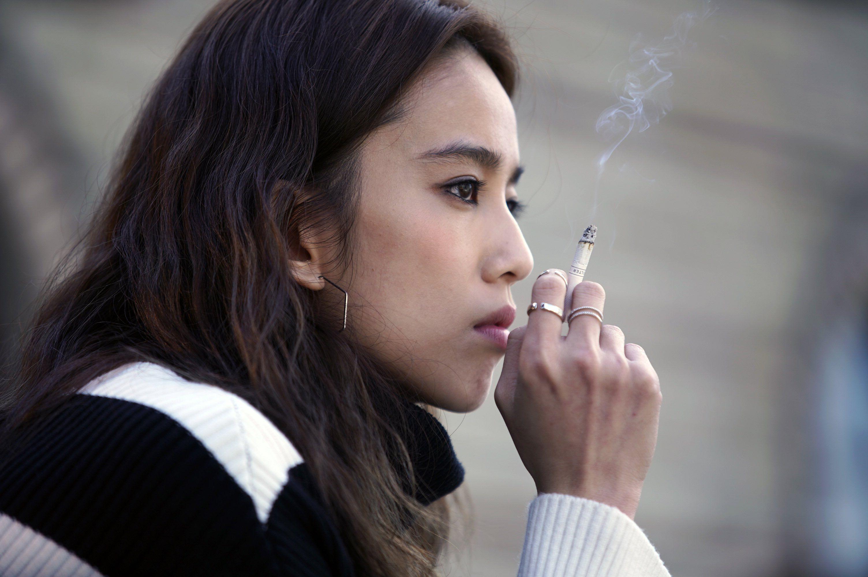《比悲傷更悲傷的故事》韓版比臺版更虐心!女主角懷孕自殺,牙醫甘願「被設計」為愛犧牲