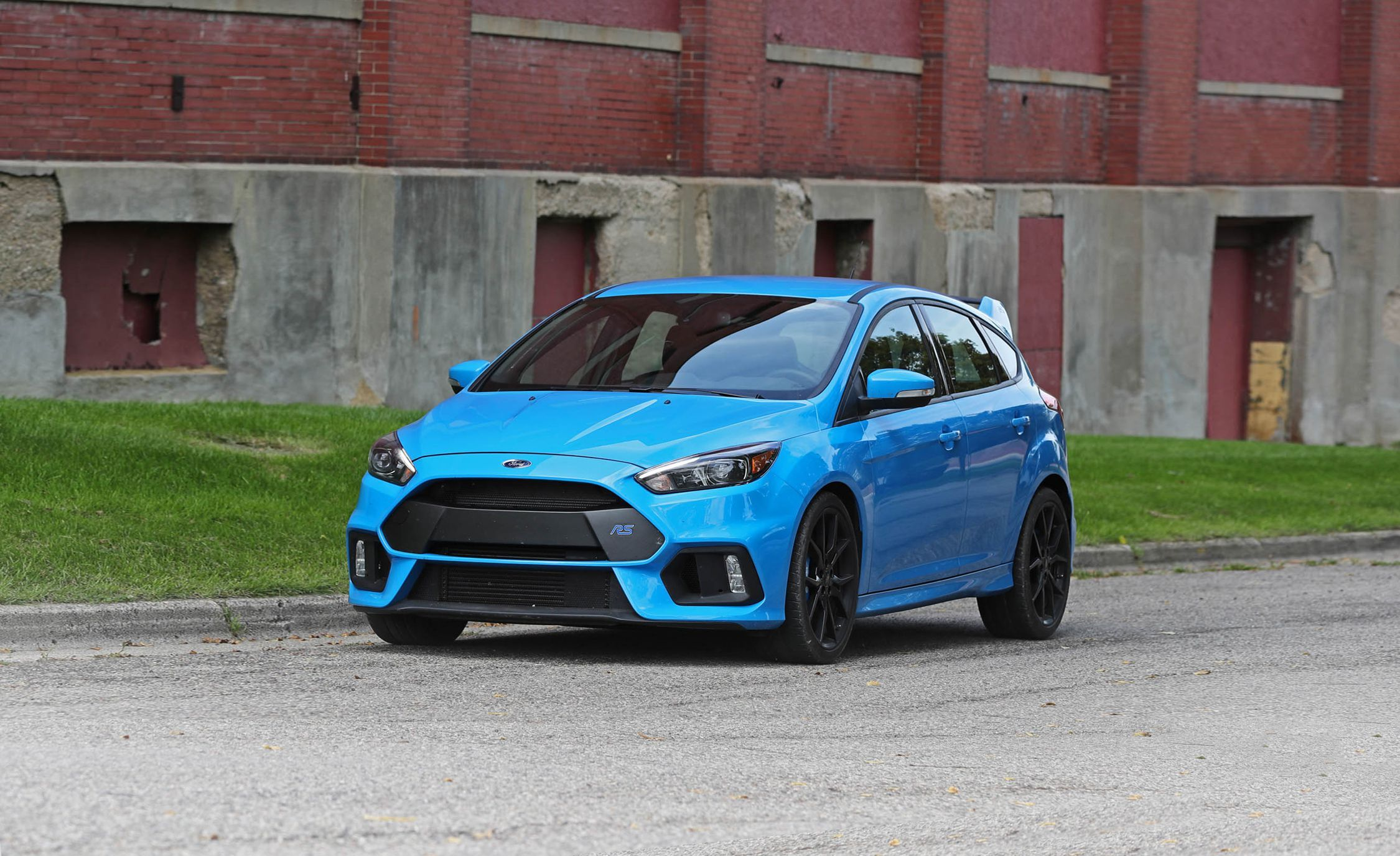 2018 ford focus rs review pricing and specs