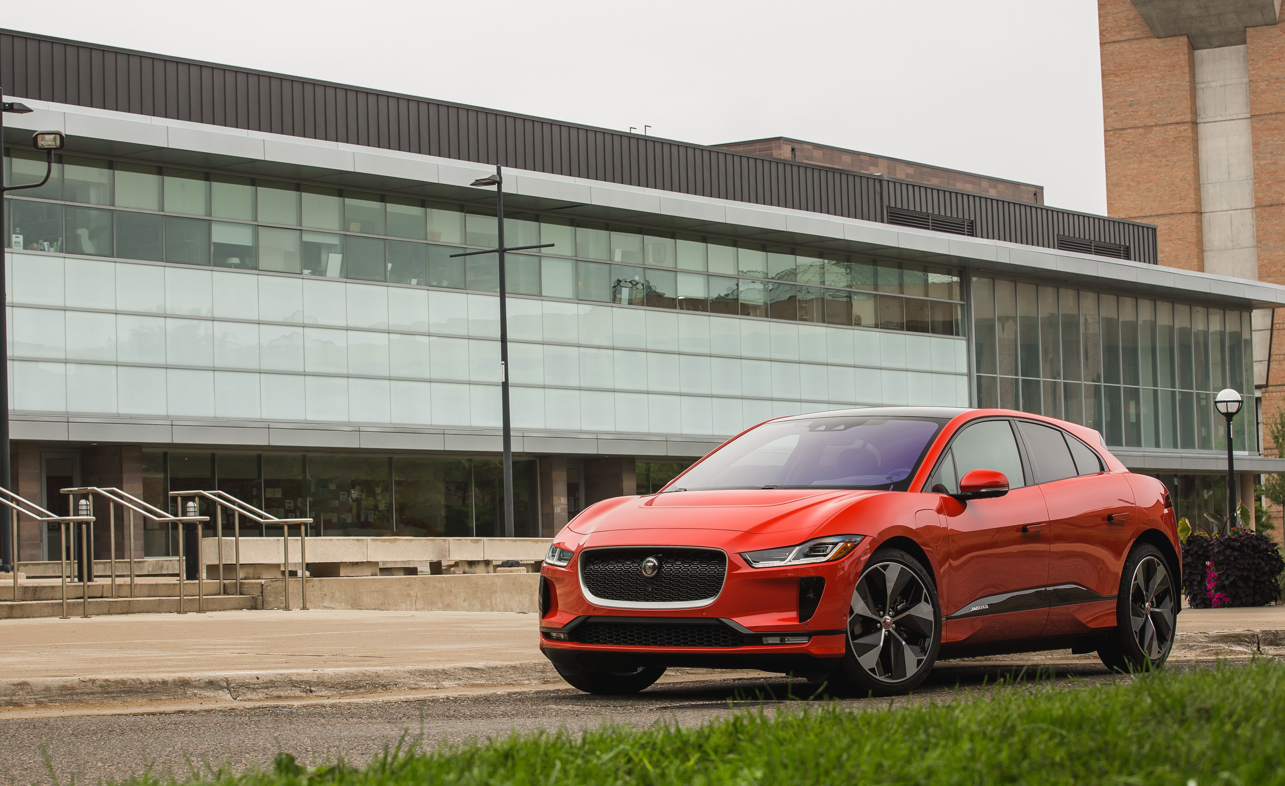2019 Jaguar I Pace Review Pricing And Specs