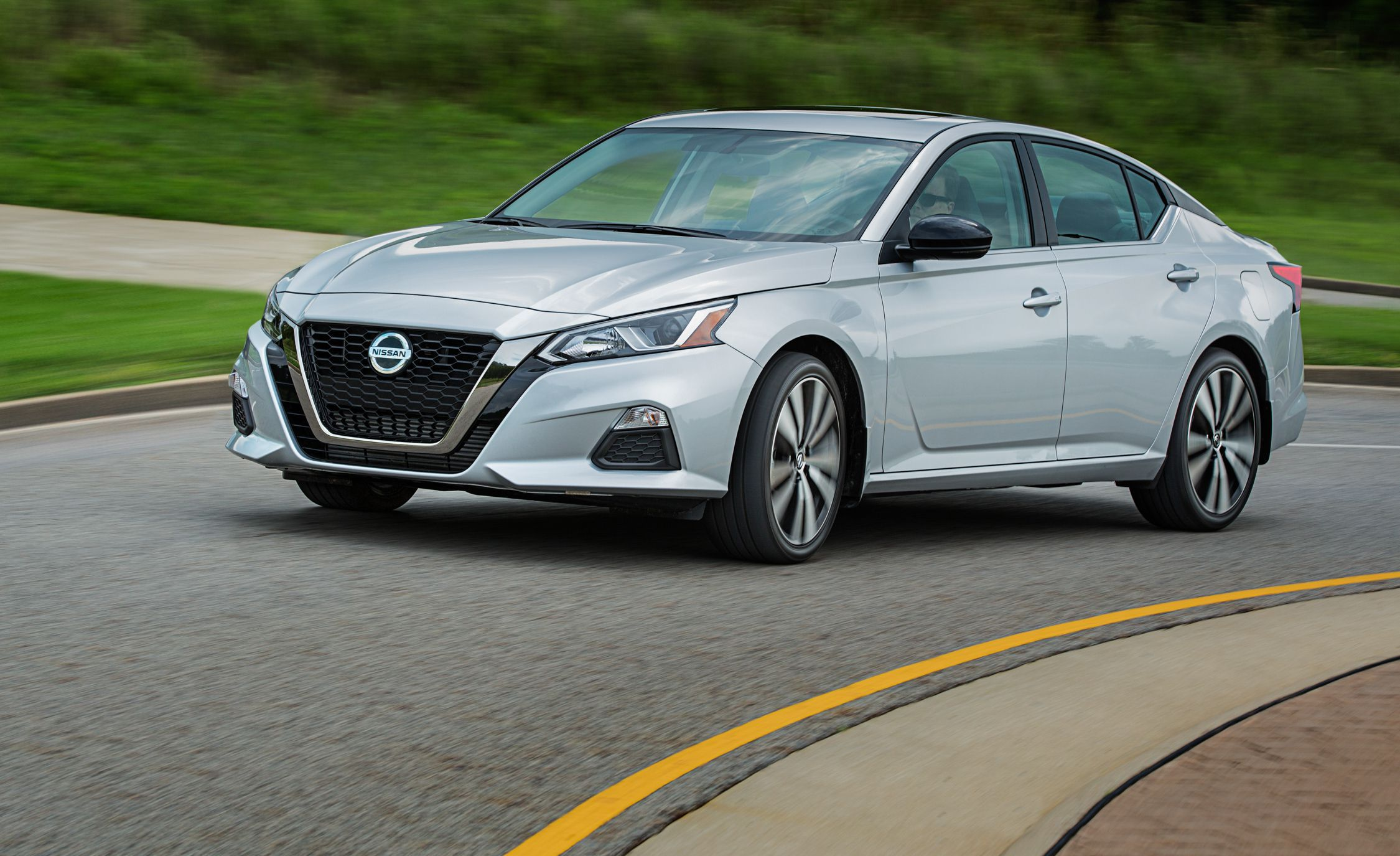 2020 nissan altima review pricing and specs 2006 nissan altima 2 5 engine diagram as well cadillac cts 2007 engine [ 2250 x 1375 Pixel ]