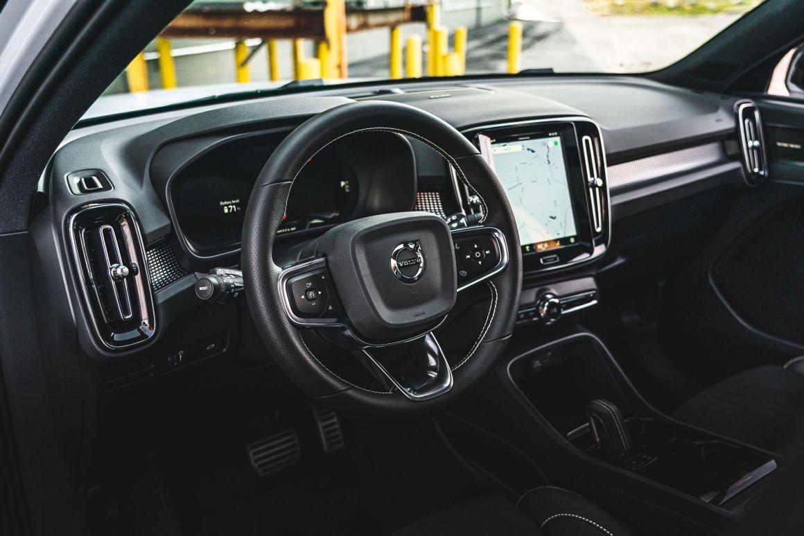 2021 volvo xc40 recharge p8 interior