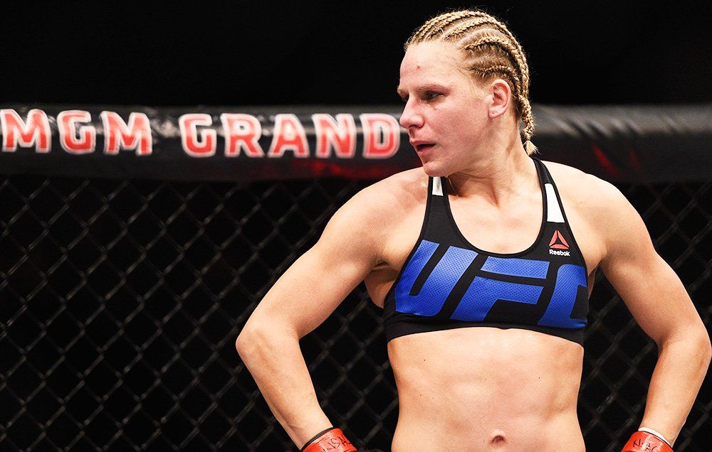 UFC Fighter Poops Her Pants In the Middle of a Match   Men's Health