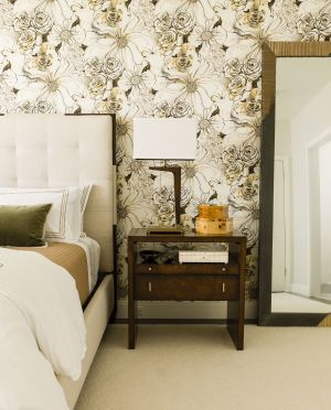 bedroom bedrooms statement wallpapers walls master awesome bed wallpapered use elledecor trends decorate norman helen interiors vignette portfolio contemporary living