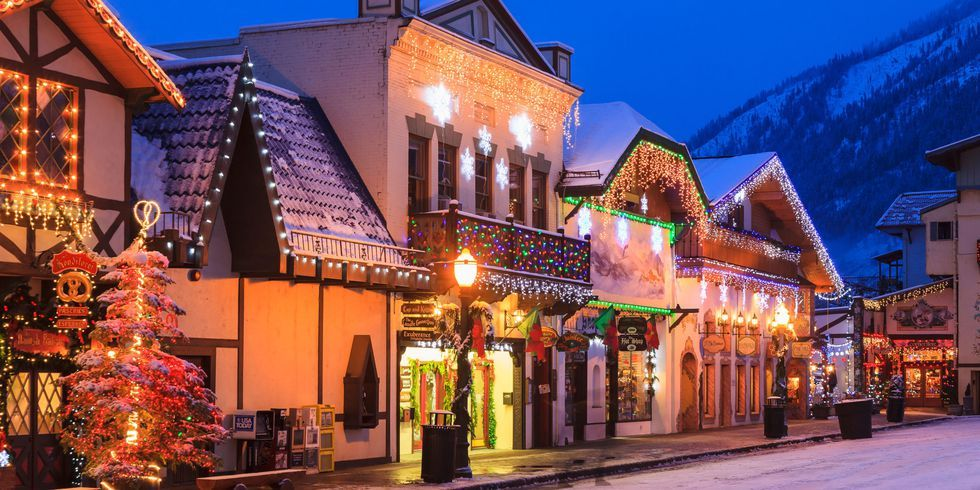 Gatlinburg In The Fall Wallpaper 25 Best Christmas Towns In Usa Best Christmas Towns In