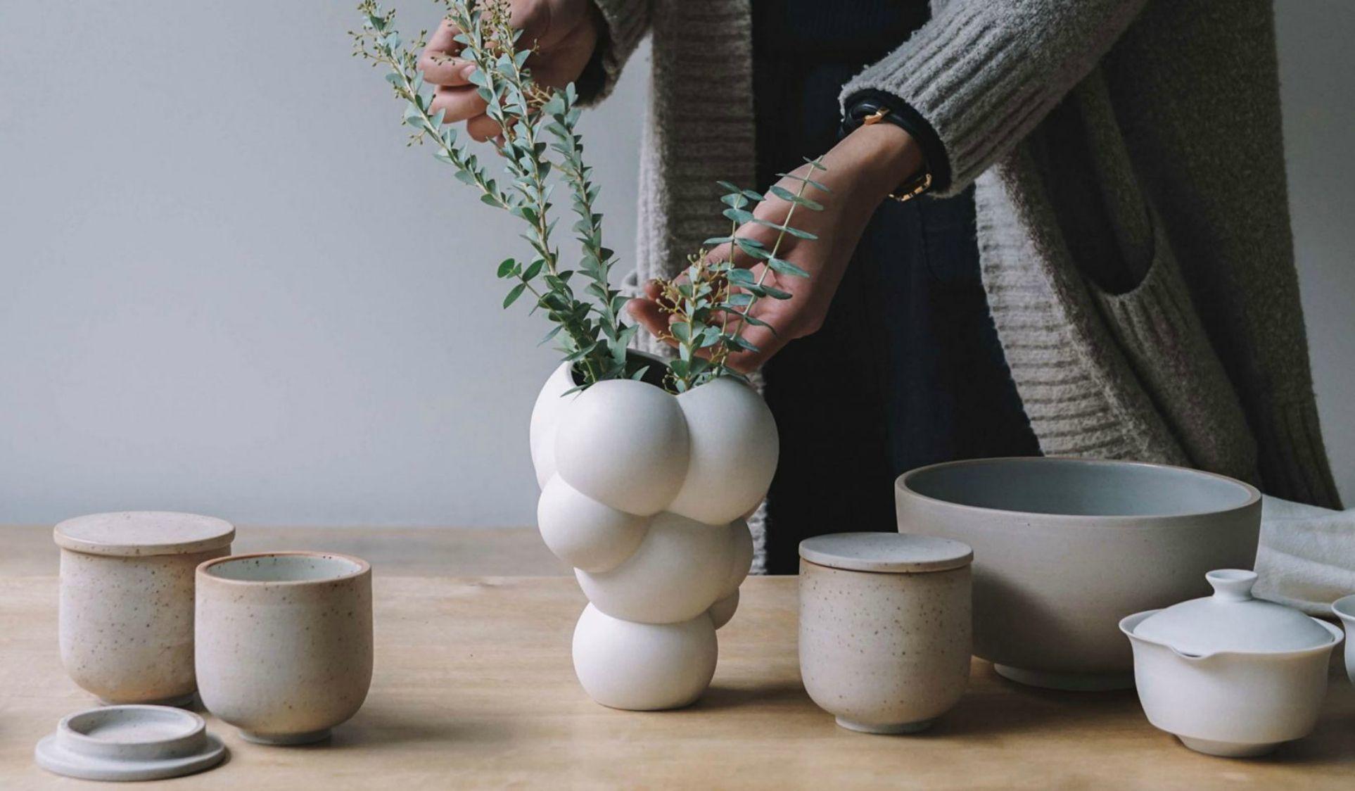 Complementi d'arredo unici per forme, colori e design, ogni vaso può divenire protagonista della vostra sala attirando le attenzioni, gli sguardi e. Vasi Di Design
