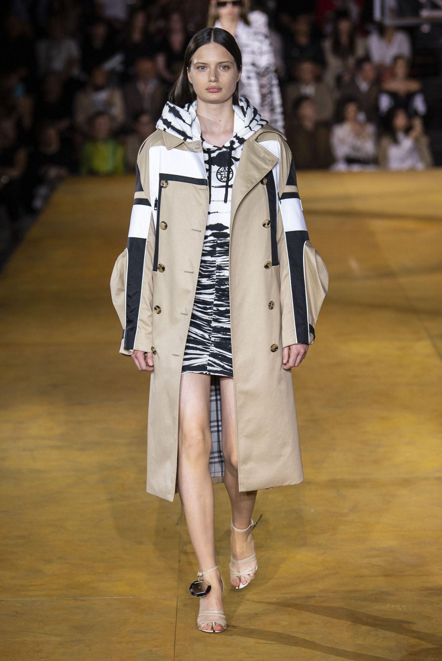fashion, fashion model, runway, fashion show, clothing, coat, haute couture, fashion design, outerwear, footwear,