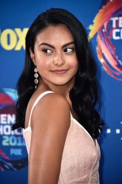 Riverdale Star Camilla Mendes Dresses Like Betty Cooper at the 2018 Teen Choice Awards