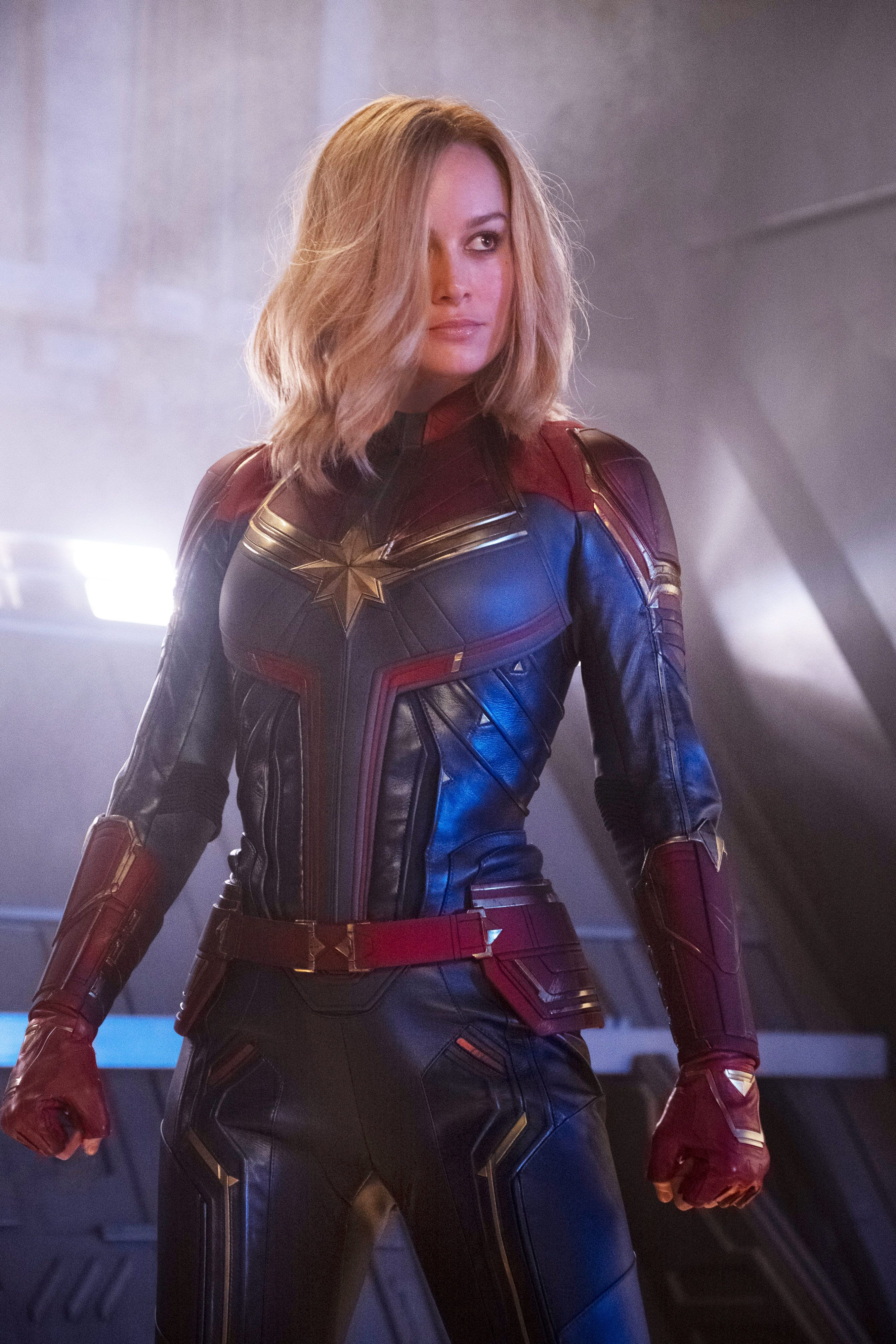 captain marvel highlights the major problem with female superheroes