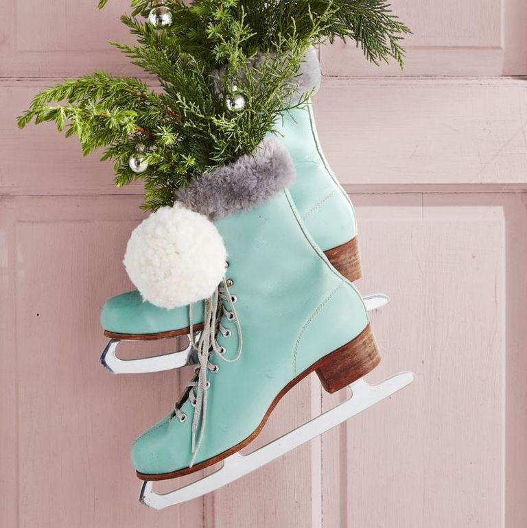 christmas decorations ideas ice skates wreath
