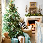 30 Christmas Garland Ideas Decorating With Holiday Garlands