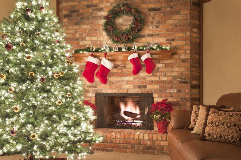 25 Stunning Christmas Living Rooms Holiday Living Room Decor Ideas