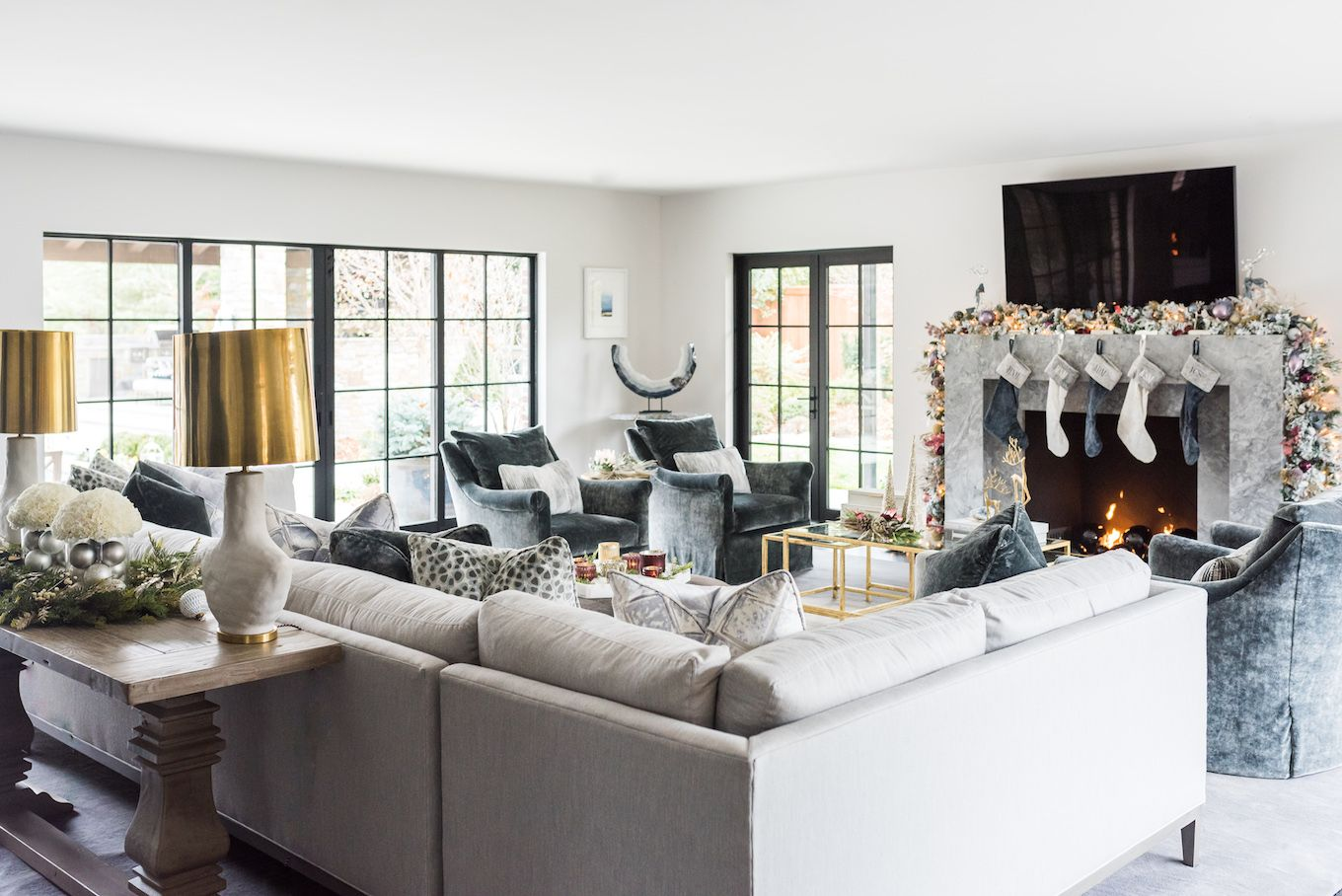 25 Stunning Christmas Living Rooms Holiday Living Room