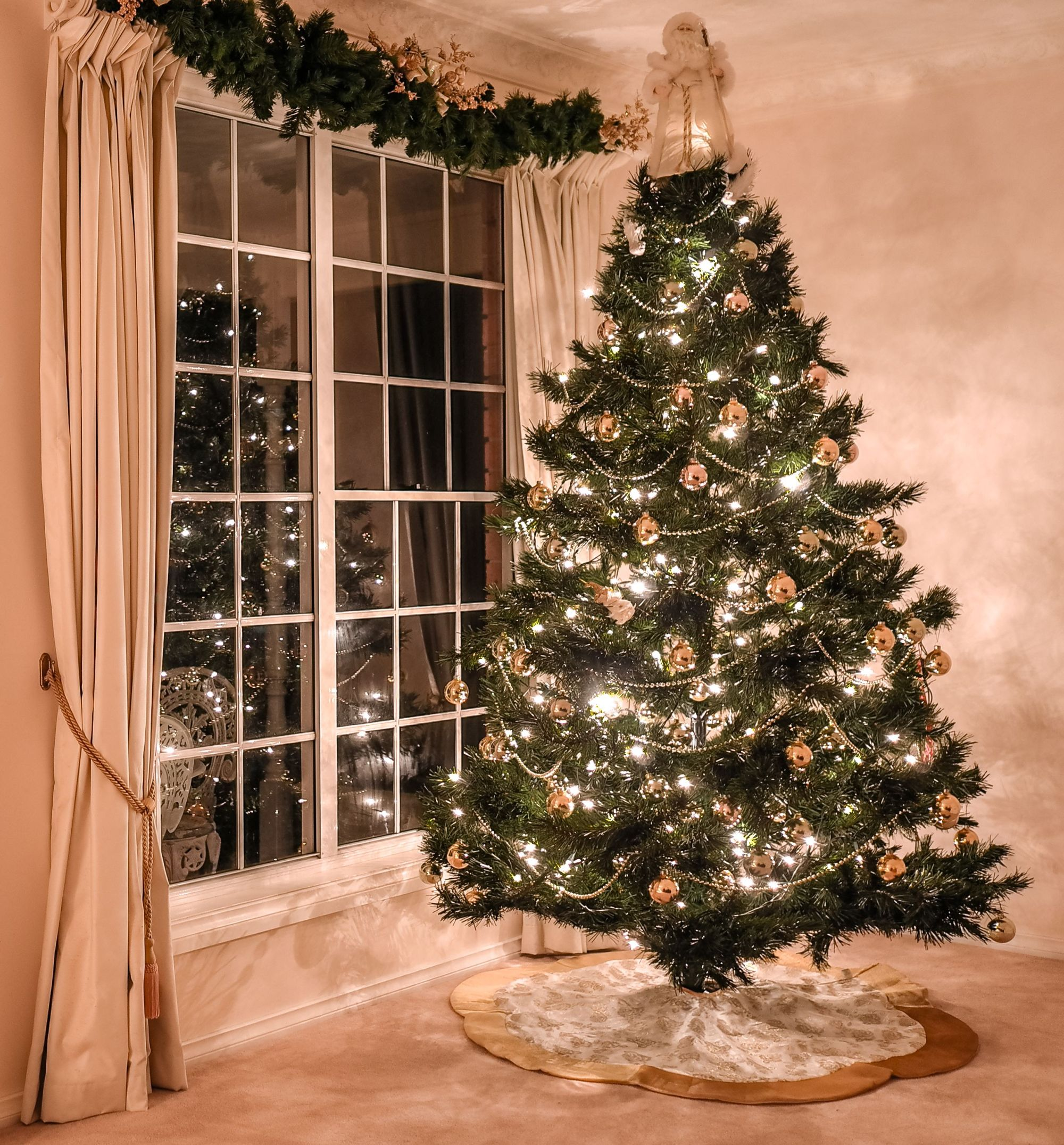 hight resolution of 10 christmas decoration hanging hacks how to hang your holiday decorations