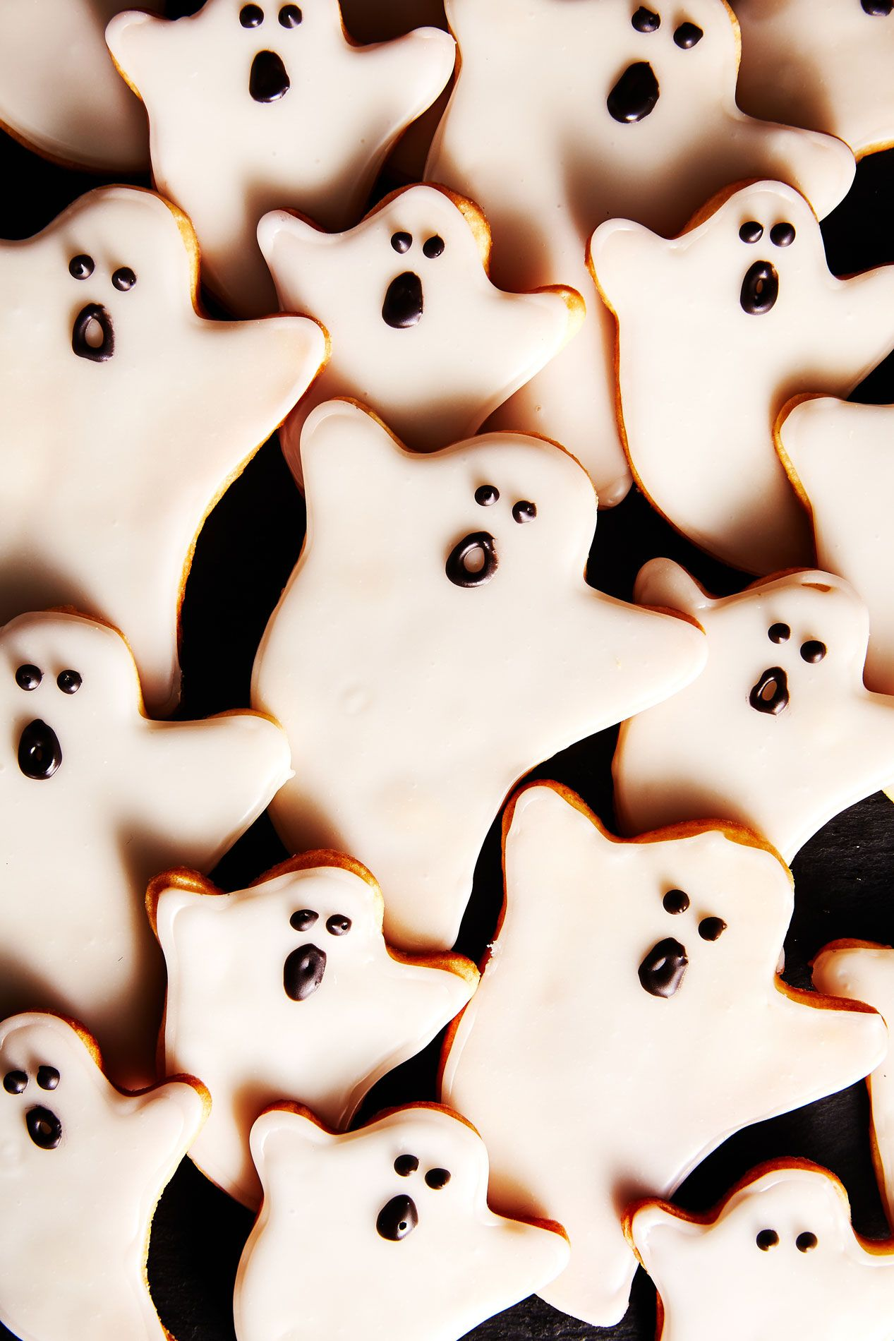 Plus all you'll need is a simple triangle cookie cutter … 41 Easy Halloween Cookie Recipes Cute Halloween Cookies