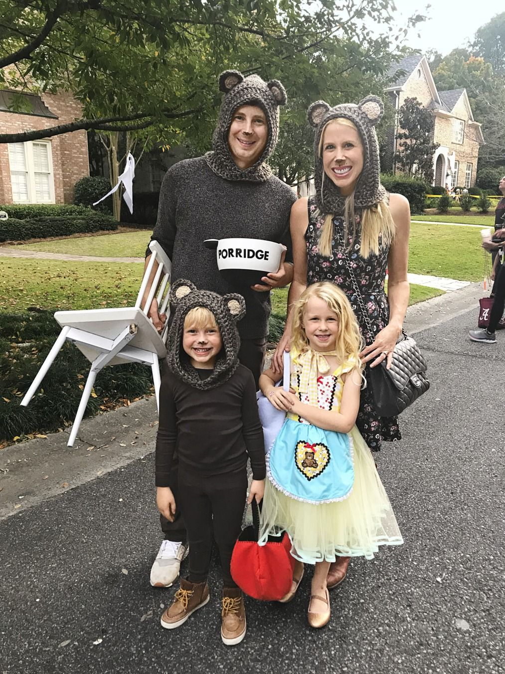 Whether you hope to have one child or six, there's no right or wrong answer when it comes to size. 36 Creative Family Halloween Costumes Family Costumes With Baby