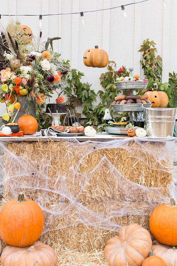 Conjure up a halloween party that draws on autumn's natural splendor, punctuated with spooky touches. 45 Diy Halloween Decorations Cool Homemade Halloween Decor