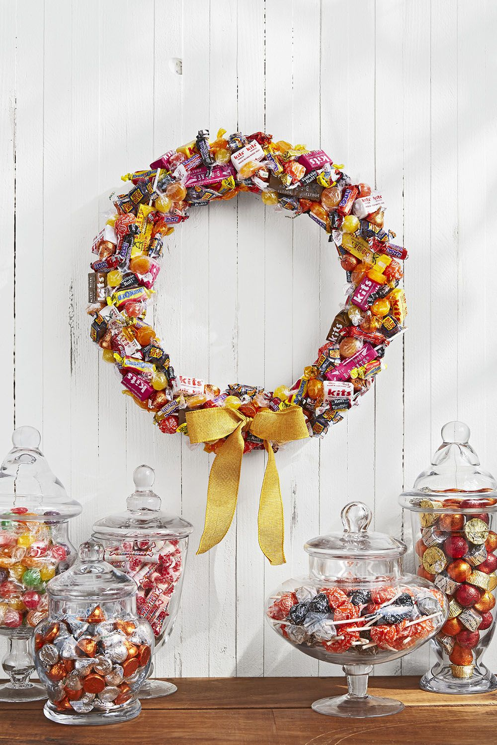 diy halloween decorations candy wreath
