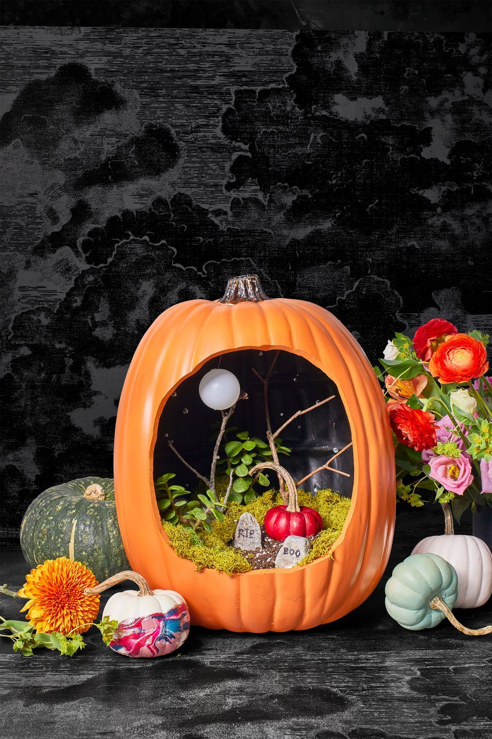 Celebrate the season with these frightfully fun decorating tricks. 87 Easy Diy Halloween Decorations 2021 Cute Halloween Decorating Ideas