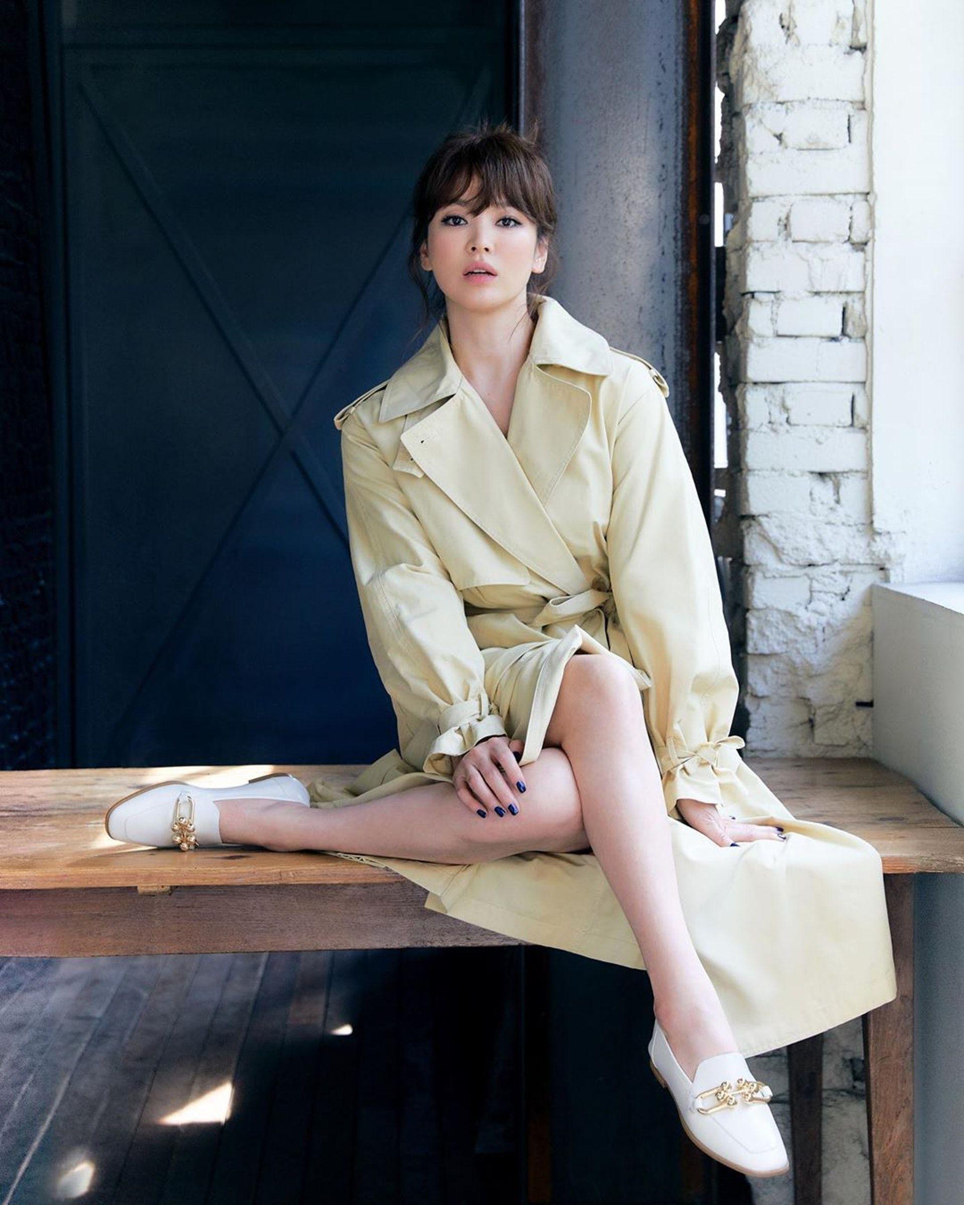 宋慧喬離婚後「最大尺度」新造型曝光!低胸洋裝炸出深溝。激似高中生美貌引來「她」喊不公平