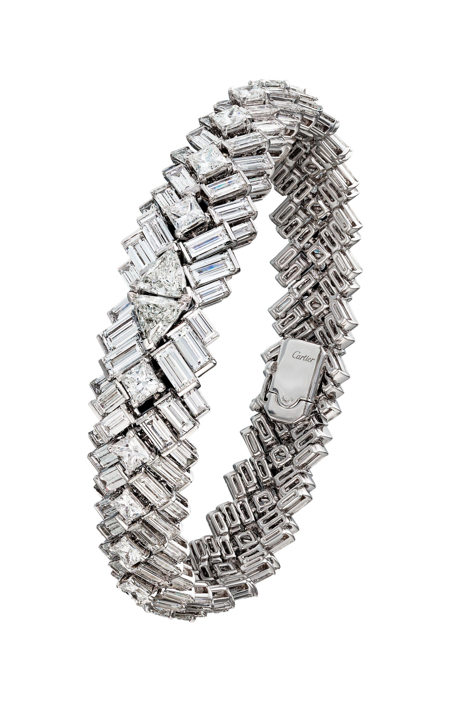 Meghan Markle Wedding Jewelry Details  Meghan Markle Wore Diamonds With Royal Wedding Dress