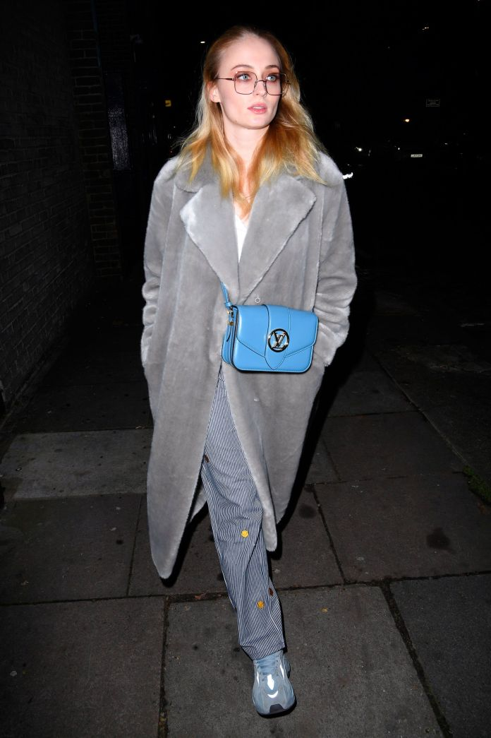 sophie turner with the bag lv pont 9 of louis vuitton