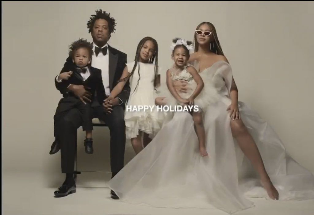 beyonce s holiday family photo gives