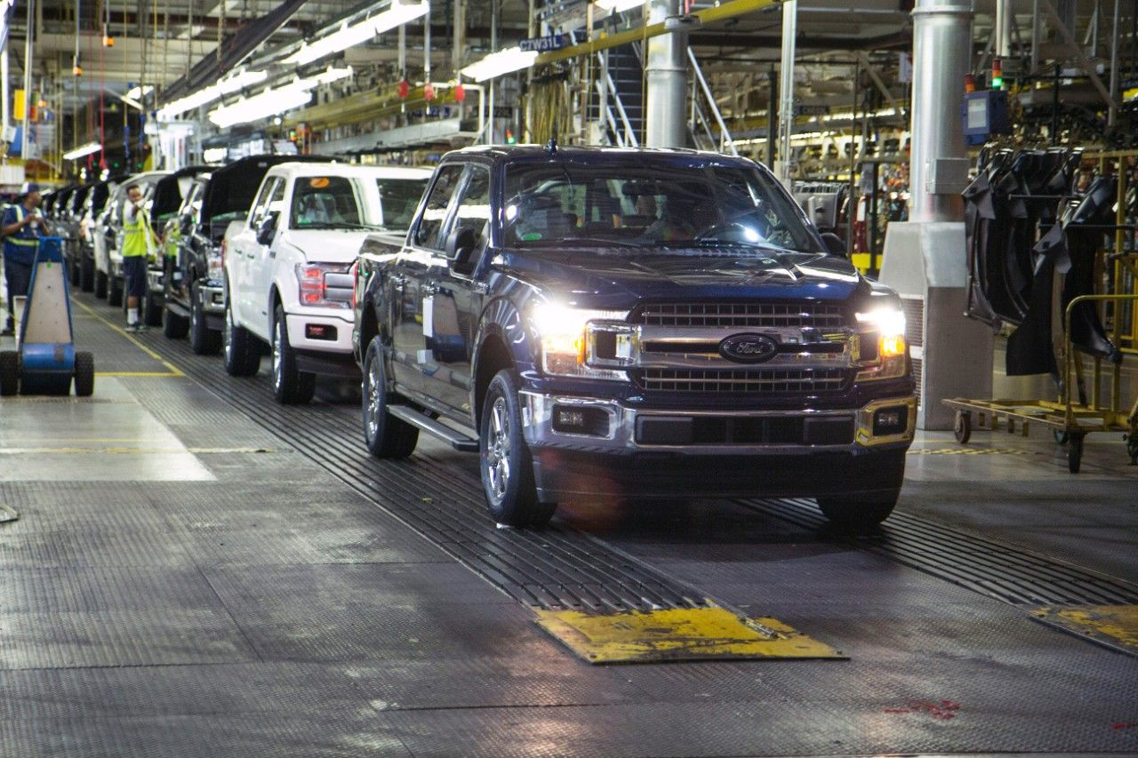 hight resolution of ford again recalls f 150 and super duty pickup trucks for second repair over engine block fire risk