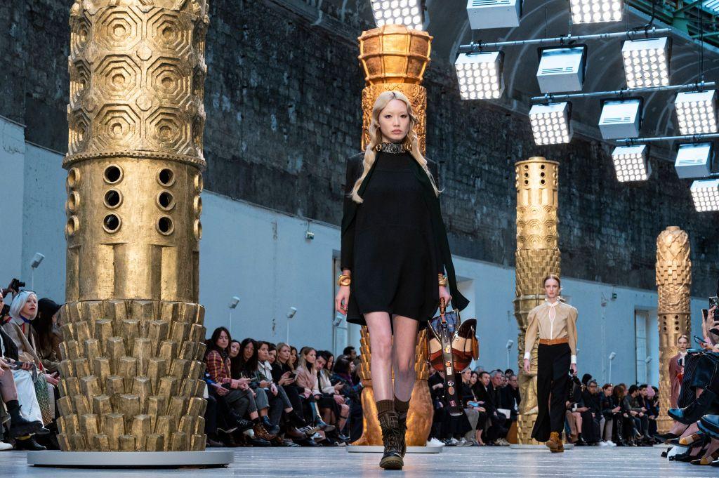 chloe  runway   paris fashion week womenswear fallwinter 20202021
