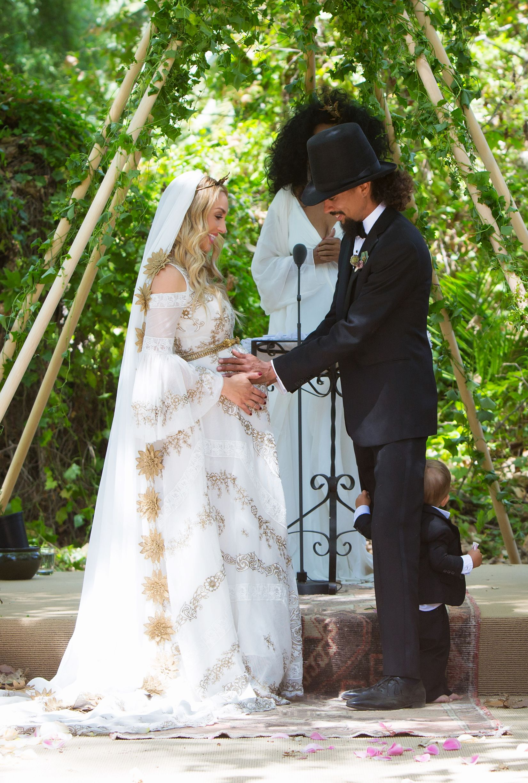 Diana Ross Son Ross Arne Naess Marries Kimberly Ryan