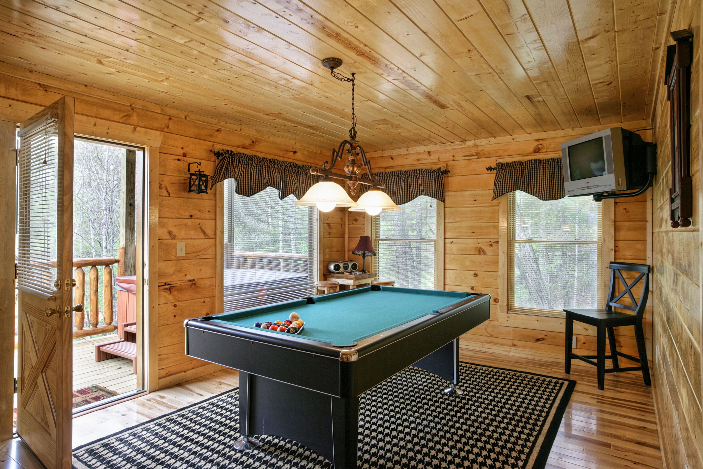 But now, i'm moving out and have even less stuff. 19 Best Game Room Ideas - Small Game Room Decor Ideas
